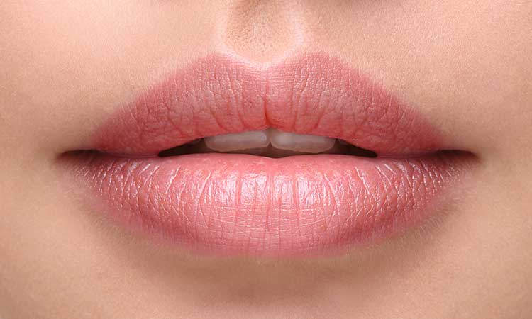 LIP CARE TIPS FOR THE SUMMER SUN